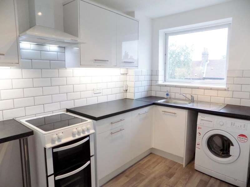 1 Bedroom Flat for sale in Newhaven Court, Seaford Road, Enfield, EN1