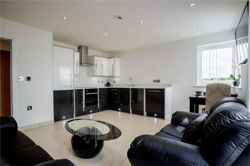 2 Bedrooms Flat for sale in 'The Alexander', Broadway House, The Broadway, Hornsea, East Riding of Yorkshire