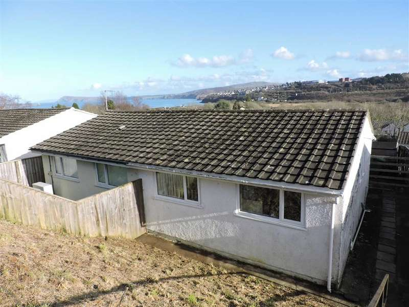 2 Bedrooms Property for sale in Seaview Crescent, Goodwick