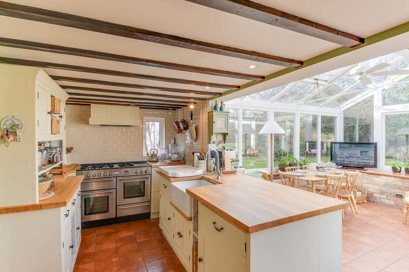 4 Bedrooms Detached House for sale in High Street, Melbourn, Melbourn, SG8