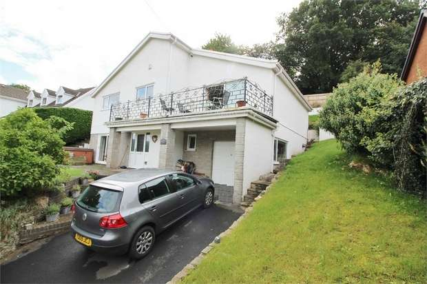 4 Bedrooms Detached House for sale in Cwm Road, Govilon, Cwm Road, Govilon, ABERGAVENNY, Monmouthshire