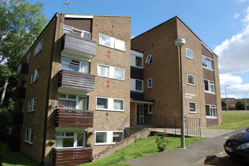 2 Bedrooms Apartment Flat for sale in Fern Drive, Hemel Hempstead
