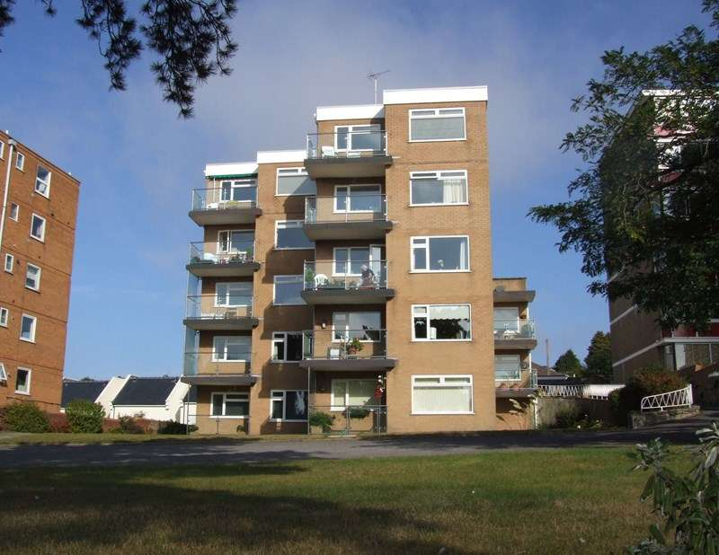 2 Bedrooms Apartment Flat for sale in Parkstone Road, Poole Park, Poole