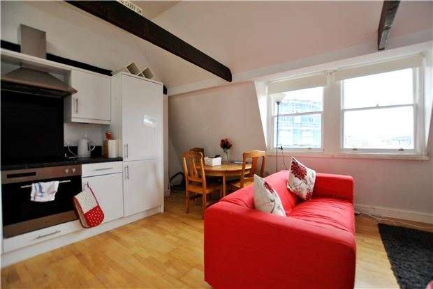 1 Bedroom Flat for sale in Charles Street, BATH, Somerset, BA1