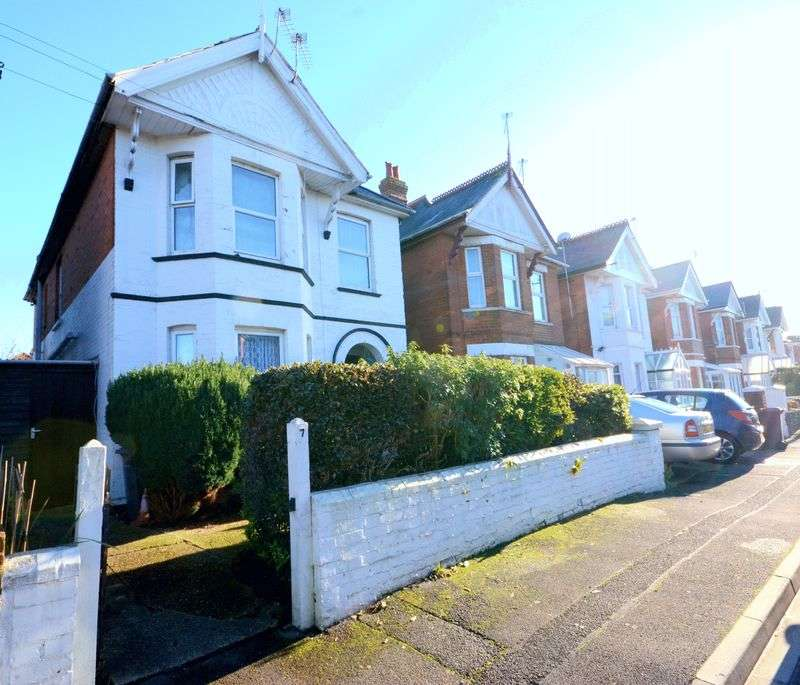 2 Bedrooms Flat for sale in Madison Avenue, Bournemouth