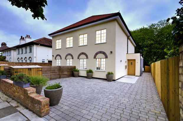 5 Bedrooms Semi Detached House for sale in Arlington Road, Twickenham, Greater London, TW1 2BG