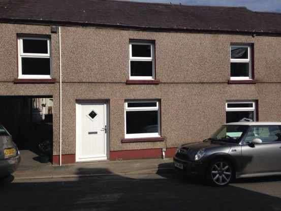 3 Bedrooms Terraced House for sale in George Terrace, Llandeilo, Dyfed, SA19 7JF