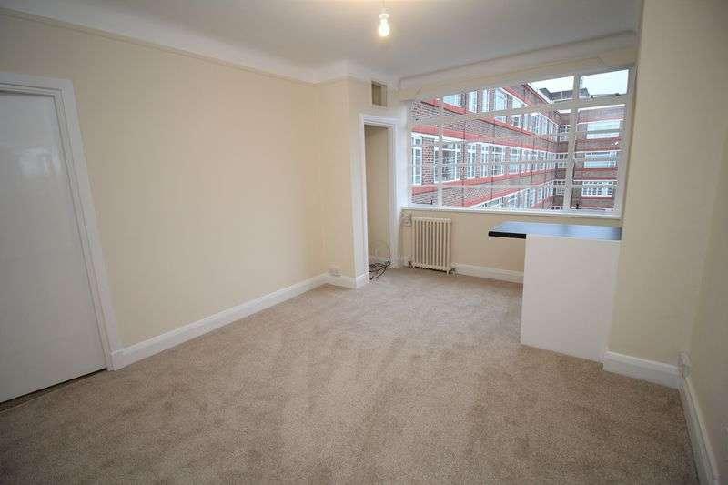 1 Bedroom Flat for sale in Du Cane Court, Balham HIgh Road, Balham