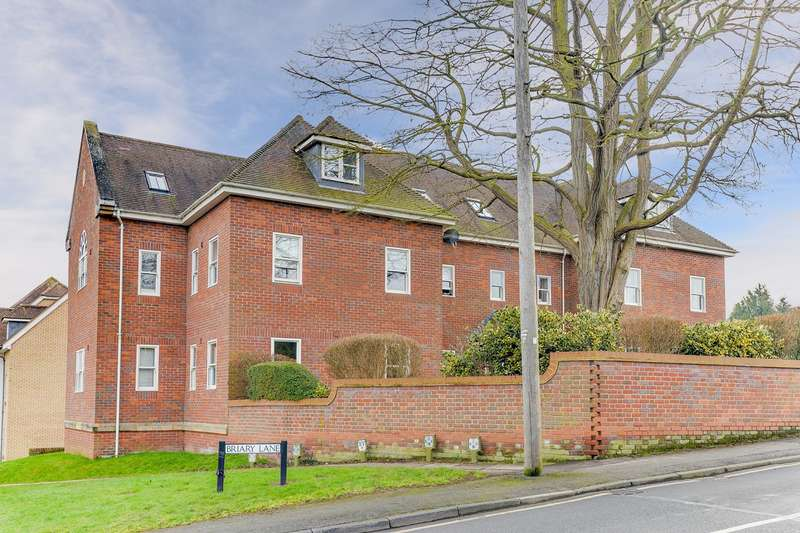 2 Bedrooms Flat for sale in Briary Lane, Royston, SG8