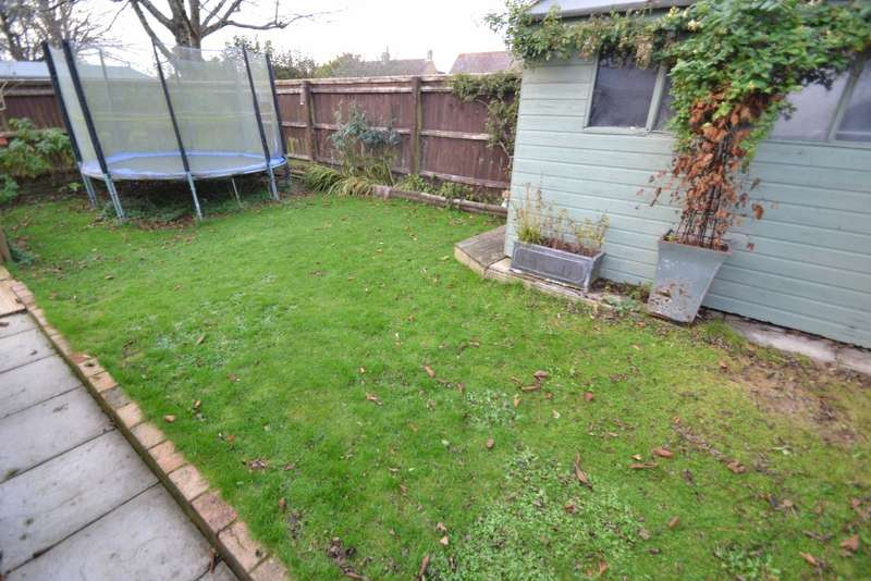 4 Bedrooms Detached House for sale in Dorchester