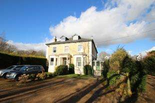 3 Bedrooms Semi Detached House for sale in Axes Lane, Redhill, Surrey