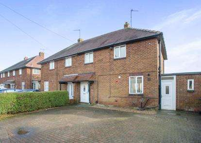 3 Bedrooms Semi Detached House for sale in Pasture Crescent, Knaresborough, North Yorkshire, .