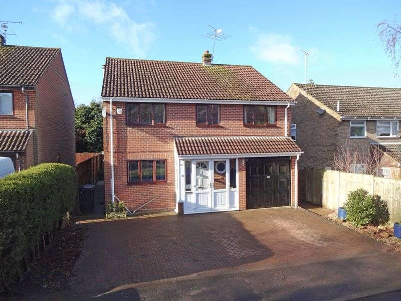 4 Bedrooms Detached House for sale in The Links, Whitehill