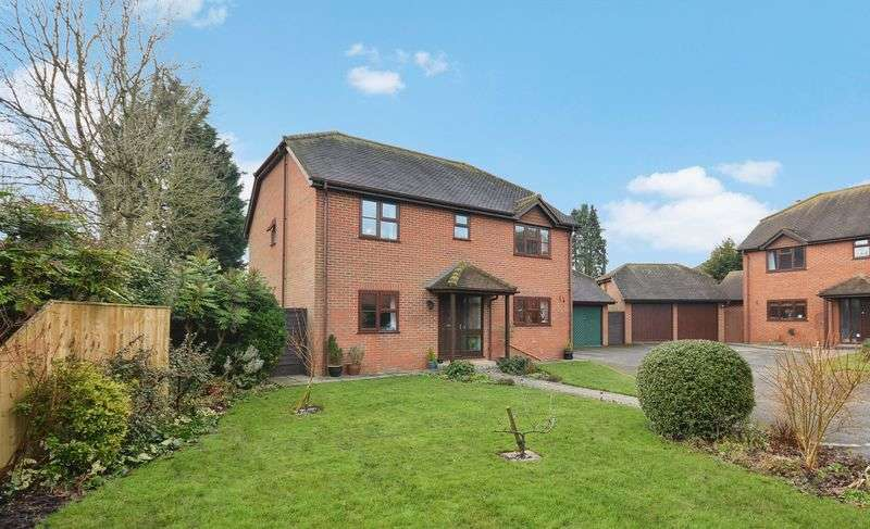 4 Bedrooms Detached House for sale in Worminghall