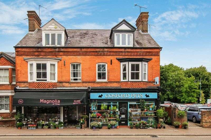 3 Bedrooms Flat for sale in High Street, Tring