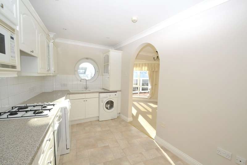 3 Bedrooms Flat for sale in Poole
