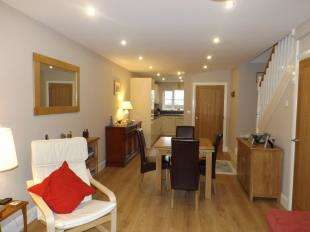 2 Bedrooms End Of Terrace House for sale in Arundale Mews, Pulborough, West Sussex