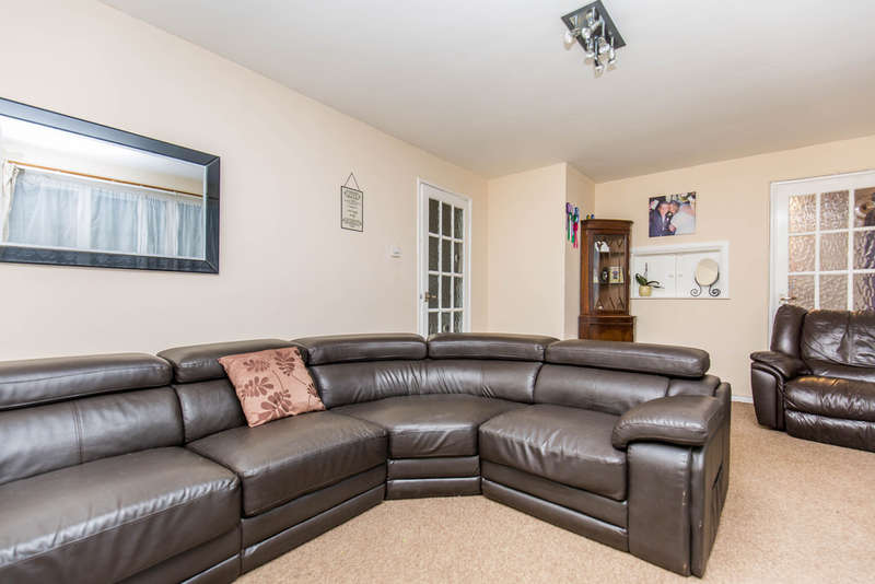 3 Bedrooms Terraced House for sale in Stoneyfield, Edenbridge, TN8