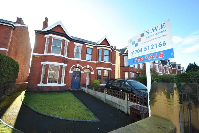 3 Bedrooms Semi Detached House for sale in Richmond Road, Birkdale, Southport, PR8