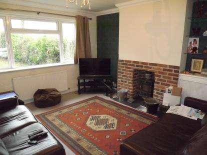 3 Bedrooms Bungalow for sale in Burton, Christchurch, Dorset