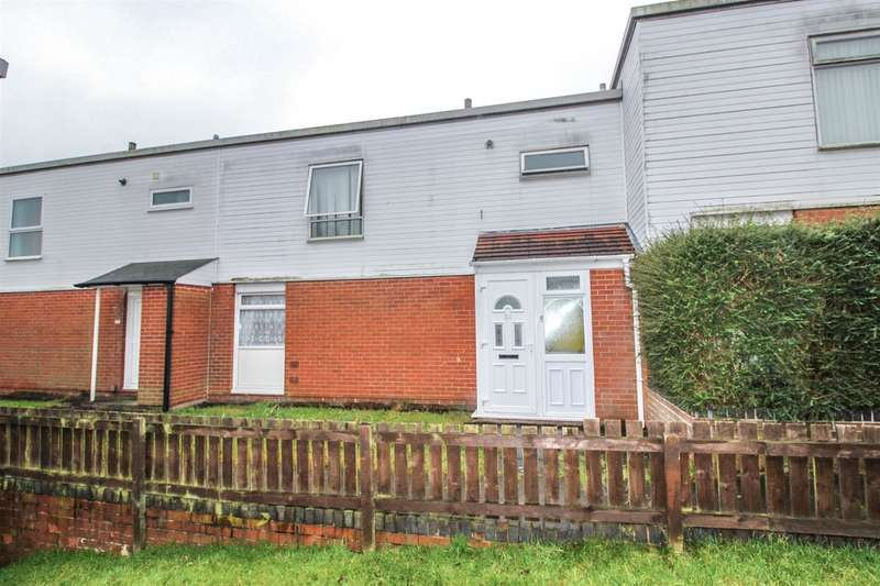 3 Bedrooms Property for sale in Flyford Close, Redditch
