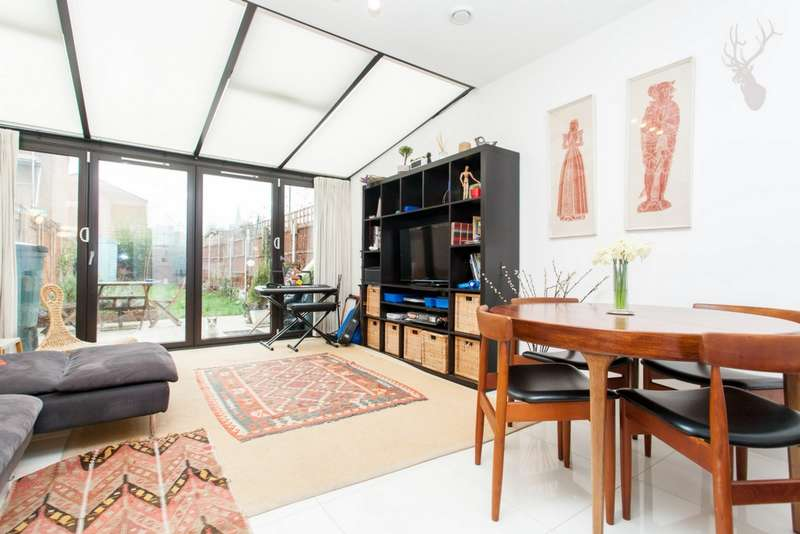 4 Bedrooms Terraced House for sale in Daubeney Road, Clapton, E5