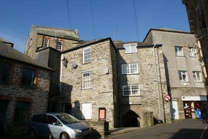 3 Bedrooms Flat for sale in Liskeard, Cornwall