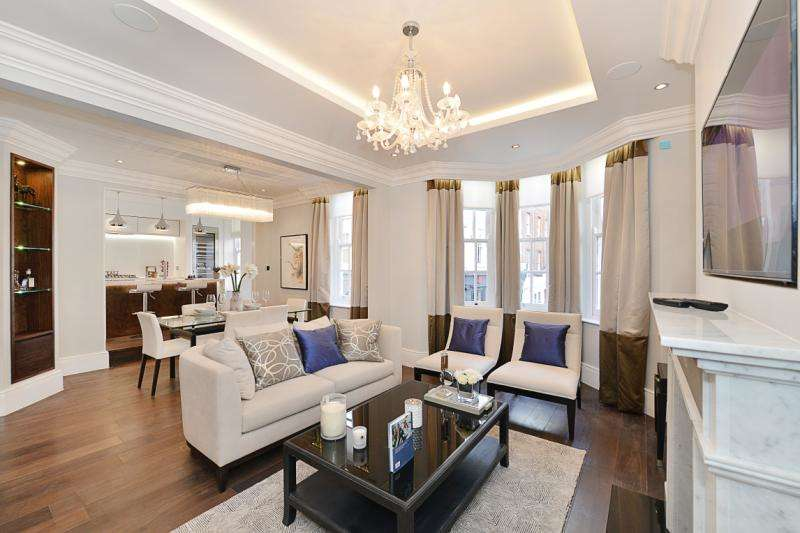 2 Bedrooms Flat for sale in Kings House, Kings Road, London, SW10