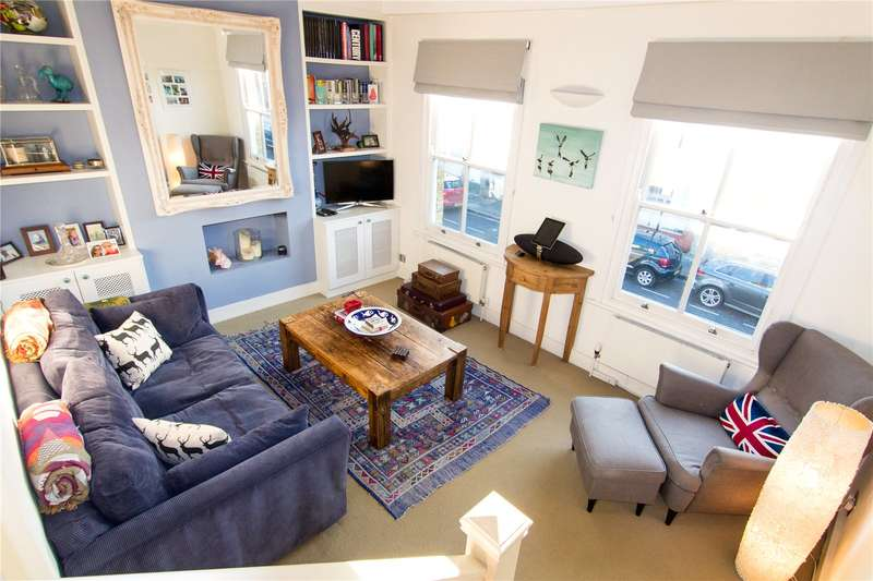 2 Bedrooms Flat for sale in Broughton Road, Sands End, Fulham, London, SW6