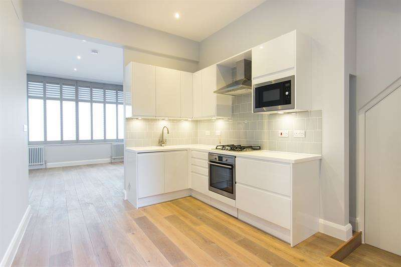 1 Bedroom Flat for sale in Caxton Road, Shepherds Bush, W12