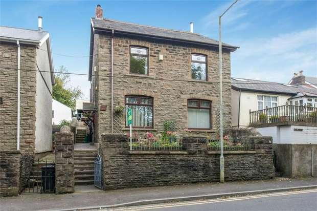 3 Bedrooms Detached House for sale in Edwards Terrace, Trelewis, Treharris, Mid Glamorgan