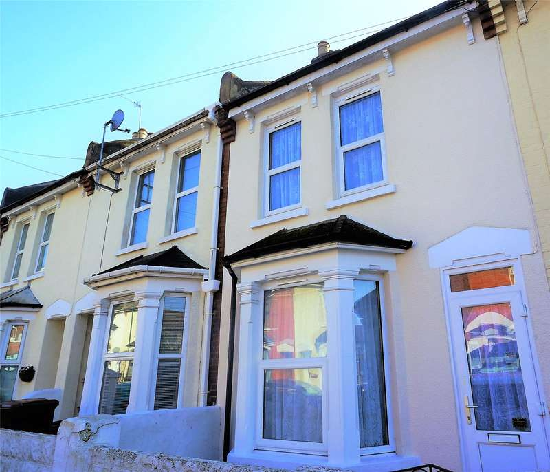 3 Bedrooms Terraced House for sale in Hayward Avenue, Rochester, Kent, ME2
