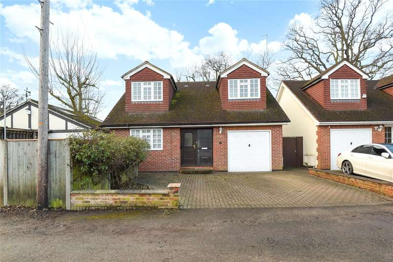 2 Bedrooms Bungalow for sale in Ivy House Road, Ickenham, Uxbridge, Middlesex, UB10