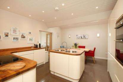 4 Bedrooms Bungalow for sale in Salisbury Road, Dronfield, Derbyshire
