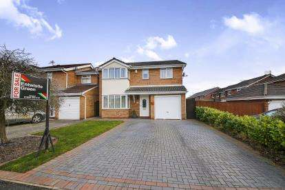 4 Bedrooms Detached House for sale in Eden Avenue, Winsford, Cheshire, England, CW7