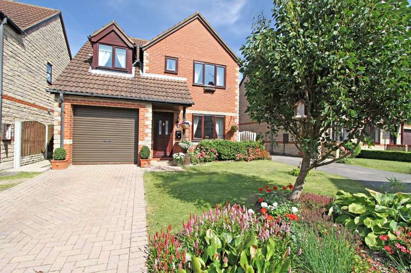 3 Bedrooms Detached House for sale in Birchwood Gardens, Braithwell, Rotherham