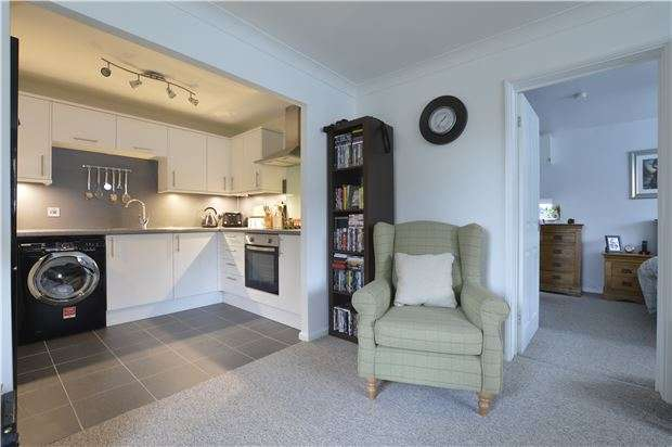 1 Bedroom Flat for sale in Tudor Court, Alexandra Road, GLOUCESTER, GL1 3DR