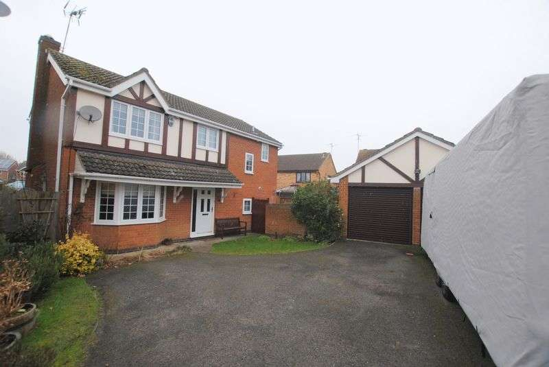 4 Bedrooms Detached House for sale in Kendall Close, Rushden