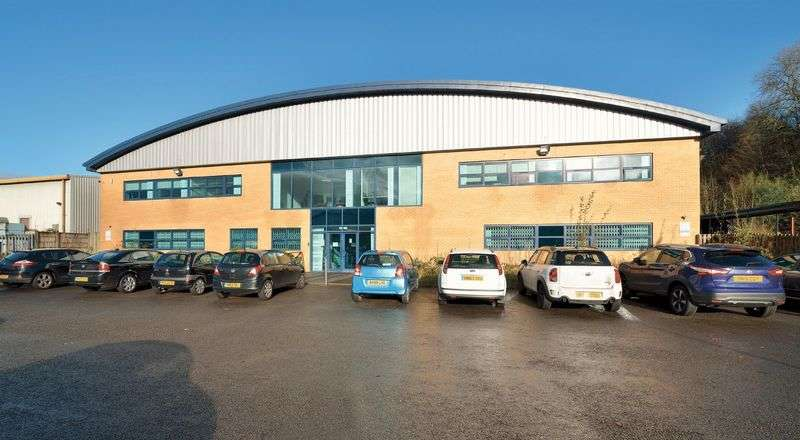 Property for rent in TO LET - Unit D Rochdale Central Ind Estate, OL11 4HS. MODERN DETACHED INDUSTRIAL UNIT WITH OFFICES - (2,216 m2) 23,858 ft2 approx