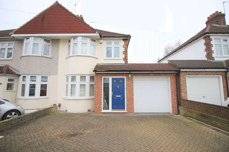 3 Bedrooms Semi Detached House for sale in Harland Avenue, Sidcup