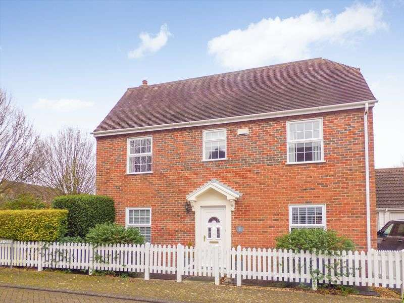 4 Bedrooms Detached House for sale in Badgers Oak, Ashford