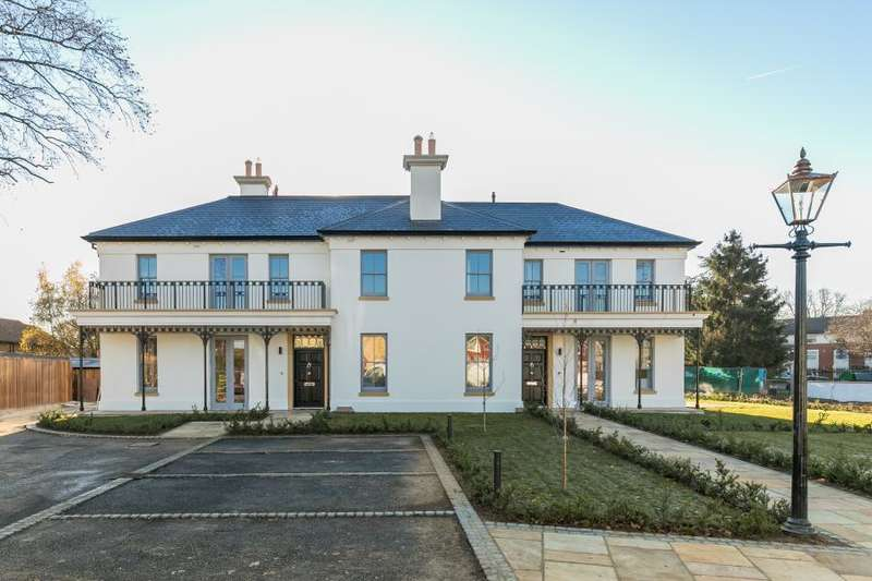 5 Bedrooms Terraced House for sale in Featherbed Villas, Hampton Hill, TW12