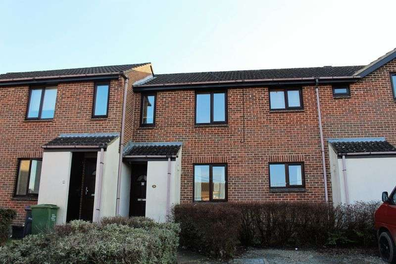 1 Bedroom Flat for sale in Highgrove Close, Calne