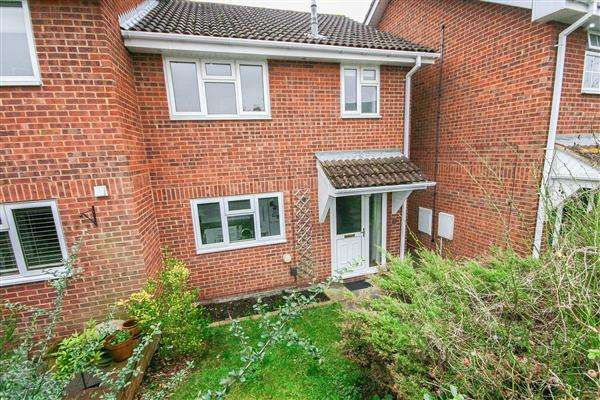 3 Bedrooms Semi Detached House for sale in Swift Hollow, Southampton