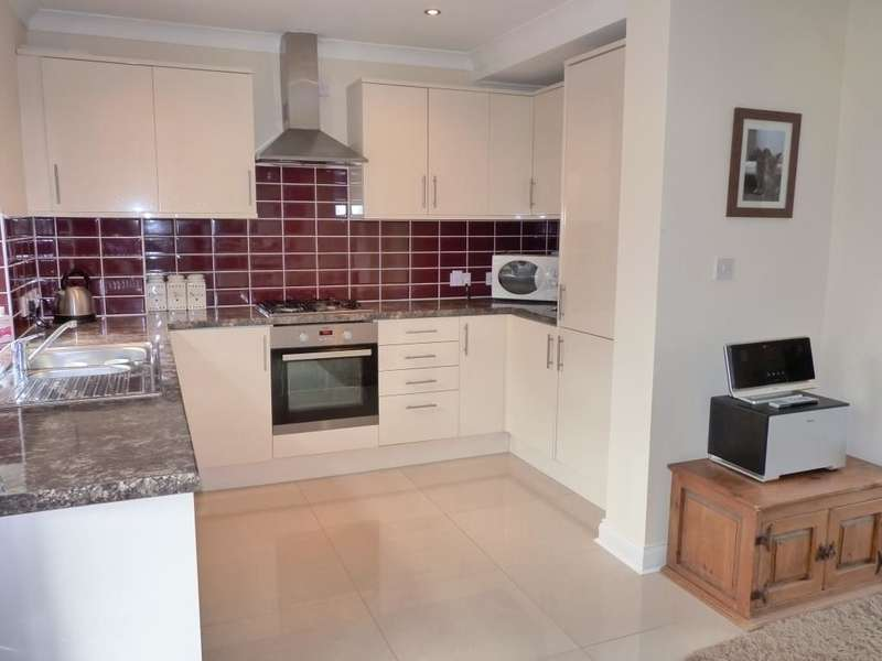 3 Bedrooms Property for sale in Whitehall Road, Ramsgate, CT12