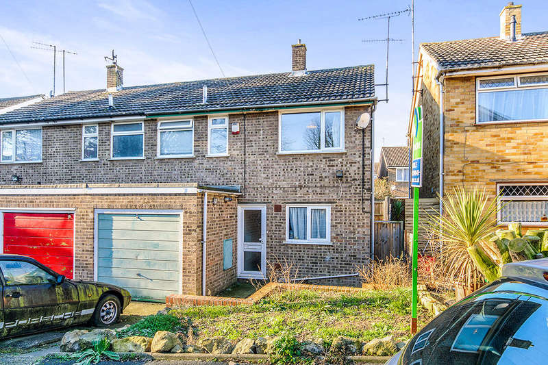 3 Bedrooms Semi Detached House for sale in Stonar Close, Ramsgate, CT11
