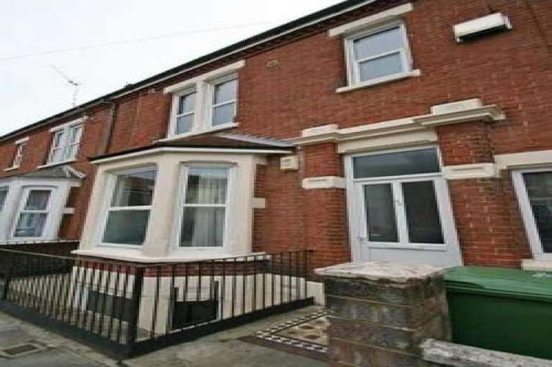 8 Bedrooms Property for rent in Britannia Road North, Southsea, PO5