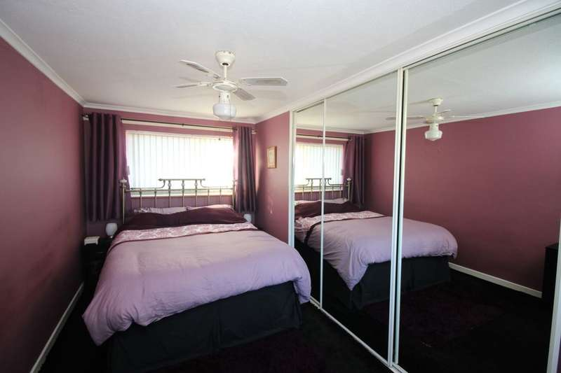 3 Bedrooms Property for sale in Bulldog Road, Lordswood, Chatham, ME5