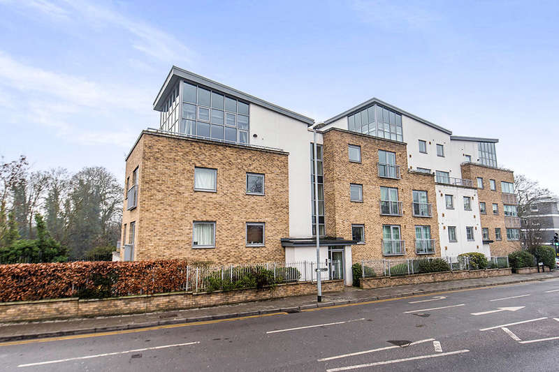 2 Bedrooms Flat for sale in Lamberts Road, Surbiton, KT5