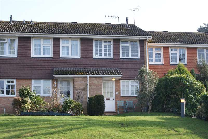 2 Bedrooms Terraced House for sale in Hillcrest, Weybridge, Surrey, KT13